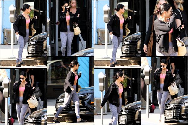 .August 14, 2018 - Vanessa Hudgens a été vue sortant de son cours de pilates dans le quartier de Studio City.  Toujours la même news de Vanessa Anne accompagné d'une amie, toujours la même tenue de sport donc pas d'avis pour la tenue. ! .