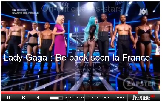 Rihanna copie sur Gaga maintenant, mais où va t'on ?  Pour vendre ses albums, Riri n'a trouver rien d'autre à faire que de faire pareil que Gaga ! Vous ne vous rappelez pas ? Gaga nous a bien dit aurevoir de cette façon! En se pincant les fesses bien sûr.. Moi je vous l'dis, la riri, elle l'aura dans l'cul un jour ou l'autre hahaha