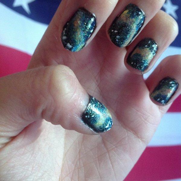 ✦  Galaxy nail art. ✦