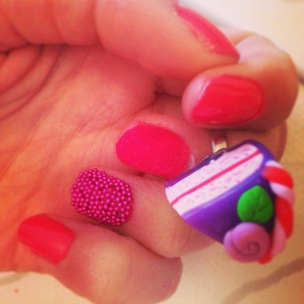 ✦ Caviar & velvet nails. ✦