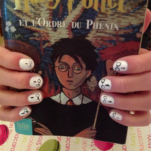 ✦ Harry Potter nails. ✦