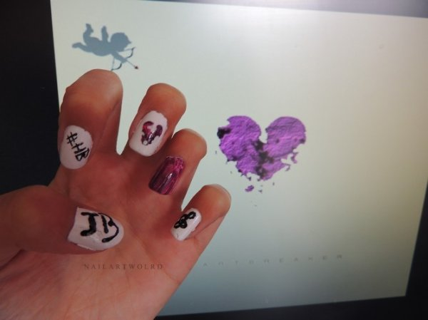 ✦ #Heartbreaker nails ... SOON! ✦