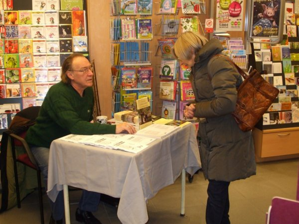 Pierre Vanhemelen en librairie -- Bastogne.
