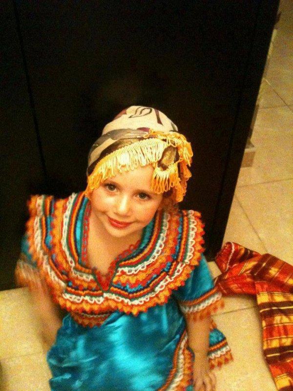 une fille kabyle (berber)