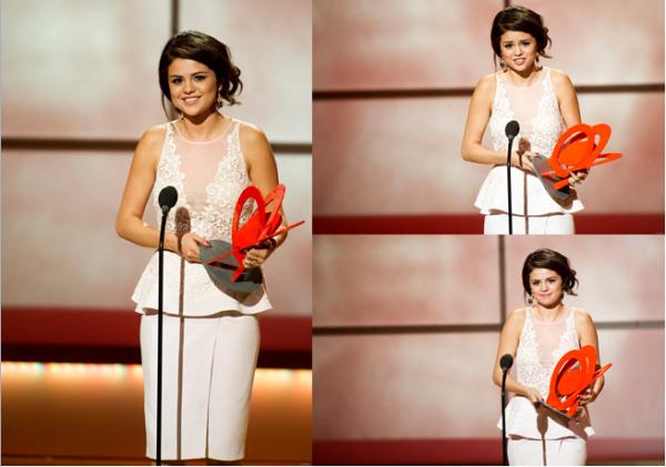 12 novembre 2012 : Selena était présente au Glamour Women of the Year Awards 2012, à New York