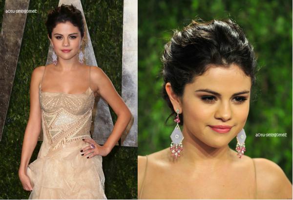 26 février 2013 : Selena se rendant à une conférence de presse pour Spring Breakers