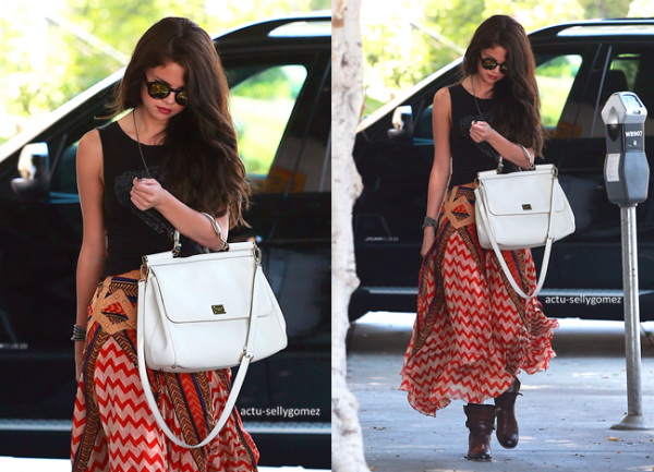18 juin 2013 : Selena se rendant à un salon de beauté, à Los Angeles