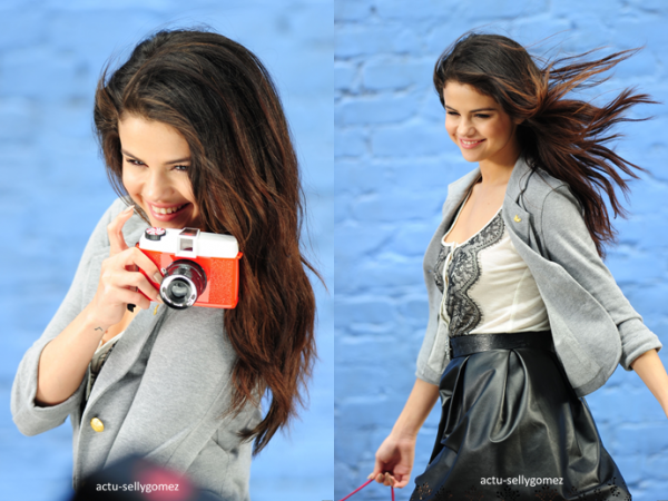 Voici un photoshoot de Selena pour Dream Out Loud