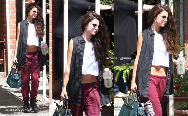 22 juillet 2013 : Selena arrivant au restaurant Bagatelle, à Los Angeles