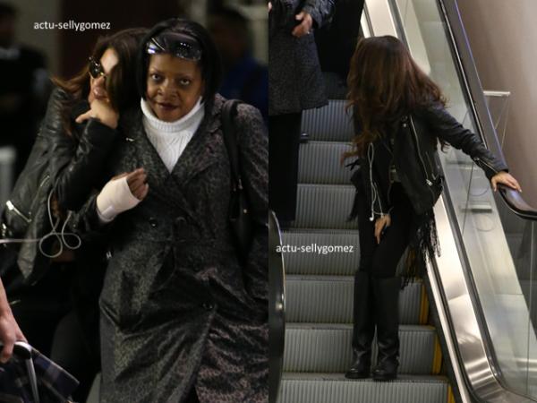 27 décembre 2013 : Selena a été vue arrivant à l'aéroport, à Las Vegas