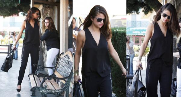 29 janvier 2014 : Selena et sa mère ont été vues quittant le The Little Cafe, à Los Angeles