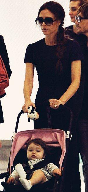 Harper va manger avec Mummy, (Hong-Kong) 24.04.2012