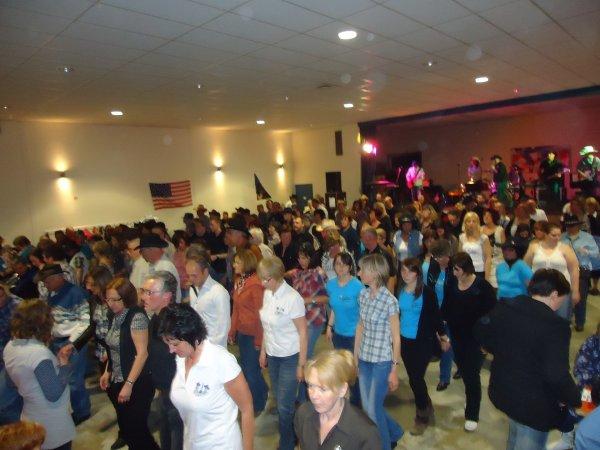 Première soirée des Addicted Country Dancers avec White Falcon le 31 Mars 2012