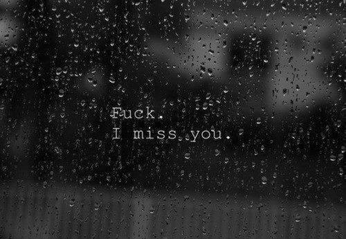 Je me demande où tu es, et si tu penses à moi parfois. Je veux que tu sache, que tu es toujours dans mon esprit..
