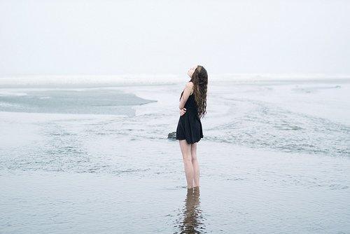 Etre ton amie me plaisait bien, tomber amoureuse de toi, un peu moins..