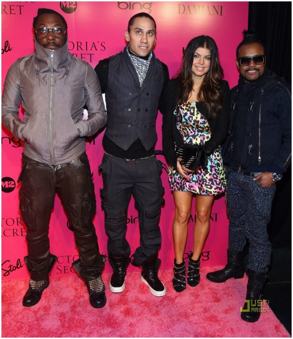 Les Black Eyed Peas au Victoria's Secret Fashion Show 2009.