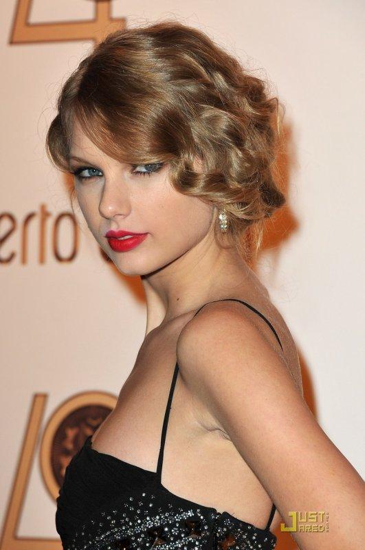 Rachel Bilson et Taylor Swift à une soirée Roberto Cavalli. Paris