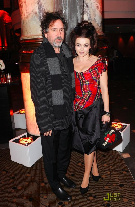 Tim Burton et Helena Bonham Carter à un évènement. 54th BFI London Film Festival
