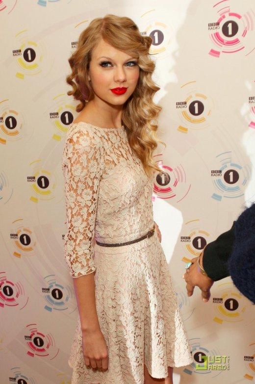 Taylor Swift à une cérémonie.