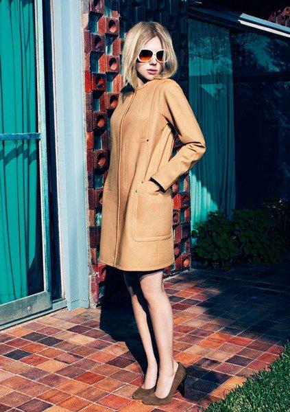 Scarlett Johansson pose pour Mango. printemps - été 2011