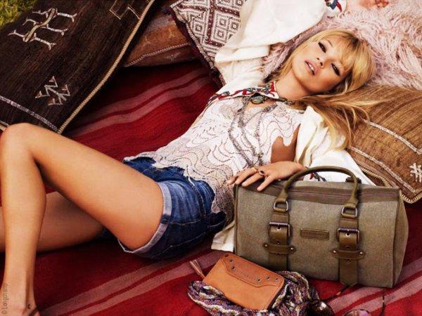Kate Moss pour Longchamp. printemps - été 2011