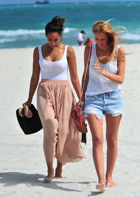 Leona lewis la plage love it or hate it - Tenue plage femme ...