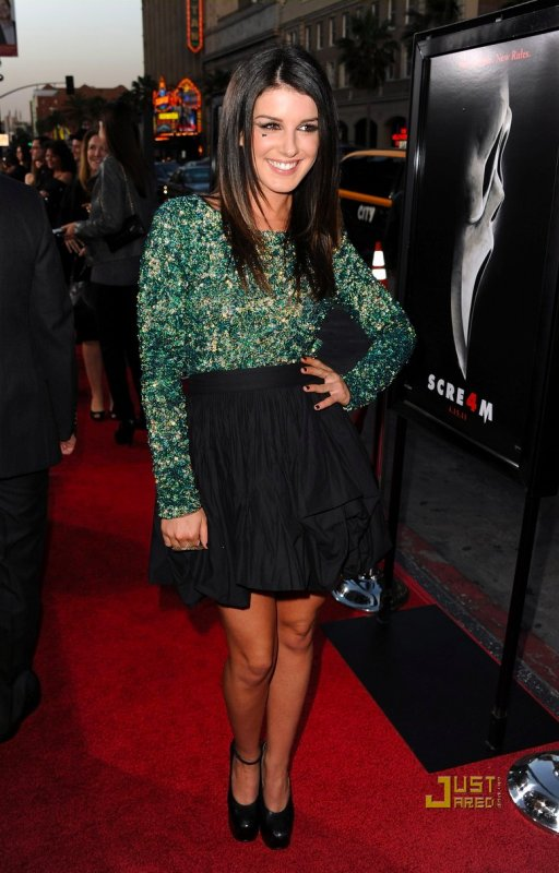 Shenae Grimes à la première de Scream 4. Hollywood