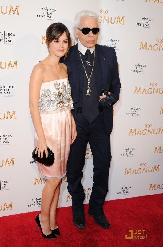 Rachel Bilson et Karl Lagerfeld à un évènement à New York. Premiere of Magnum at the 2011 Tribeca Film Festival