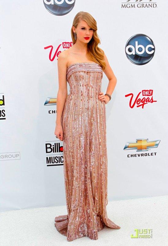 BillBoard Music Awards 2011  Taylor Swift