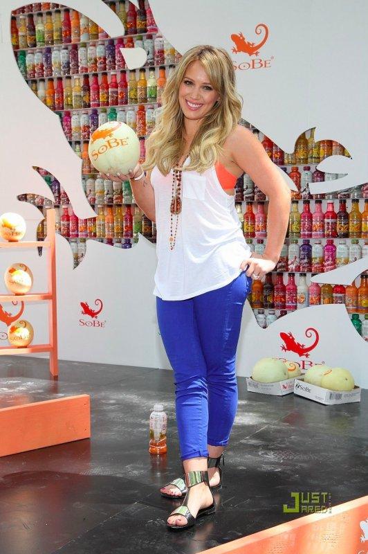 Hilary Duff à un évènement.