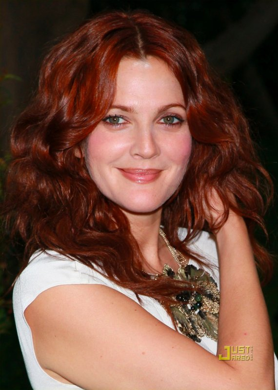 Drew Barrymore à un évènement. Chanel's benefit dinner for the Natural Resources Defense Council's Ocean Initiative