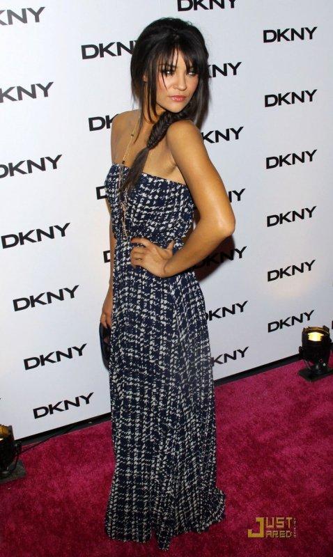 Jessica Szohr à un évènement à New York. DKNY Sunglass Soiree