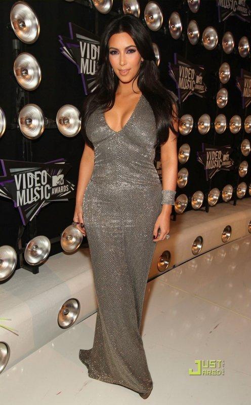 MTV VMA's 2011  Miley Cyrus, Kim Kardashian et Zoe Saldana
