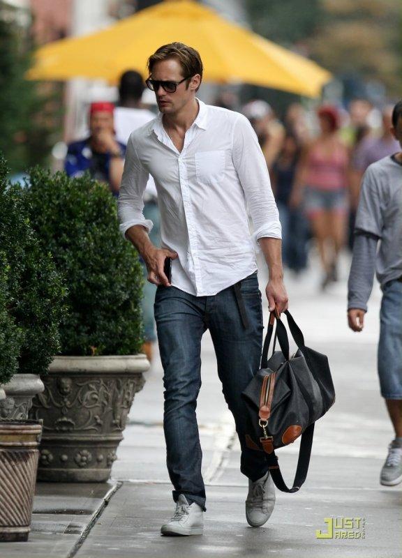 Alexander Skarsgard de sortie. New York