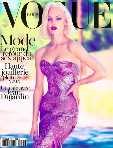 Sasha Pivovarova en couverture du Vogue d'octobre 2011.