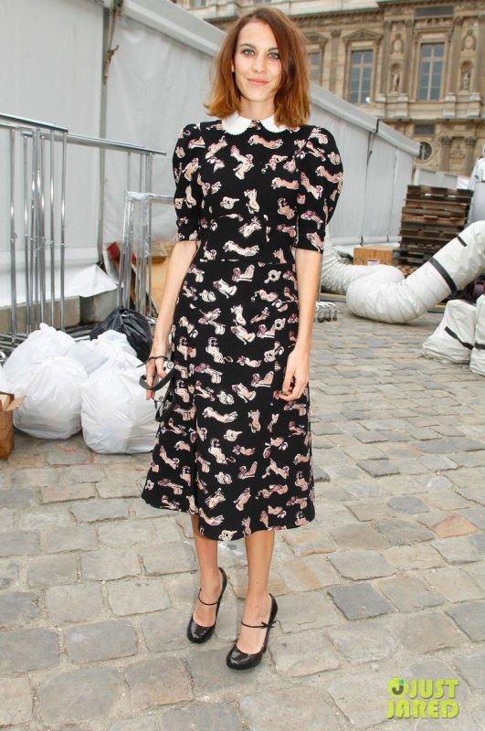 Nicole Richie, Olivia Wilde et Alexa Chung au défilé Louis Vuitton. Fashion Week de Paris
