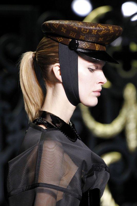 DÉFILÉS PRÊT À PORTER AUTOMNE-HIVER 2011/2012  Louis Vuitton