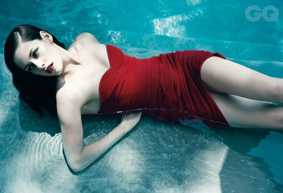 Kristen Stewart pose pour GQ.