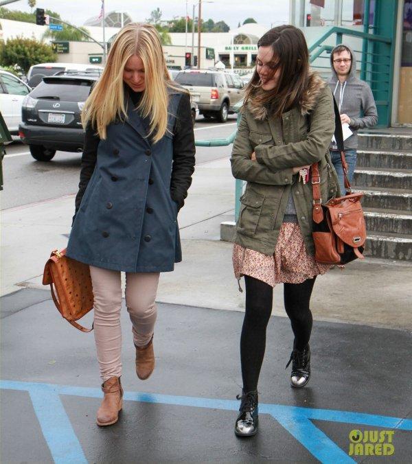 Kristen Bell et Rachel Bilson de sortie. Californie