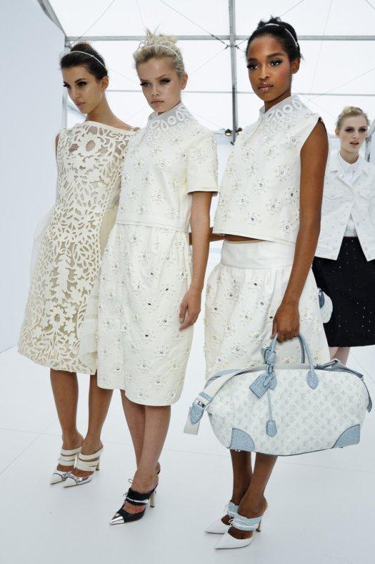 DÉFILÉS PRÊT À PORTER PRINTEMPS-ÉTÉ 2012 Dans les coulisses du défilé Louis Vuitton