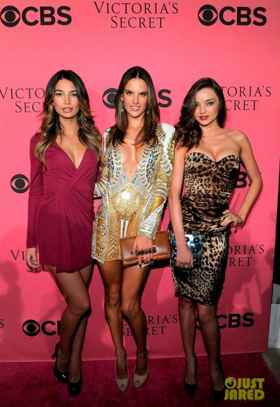 Miranda Kerr à un évènement pour la diffusion télé du défilé Victoria's Secret 2011.