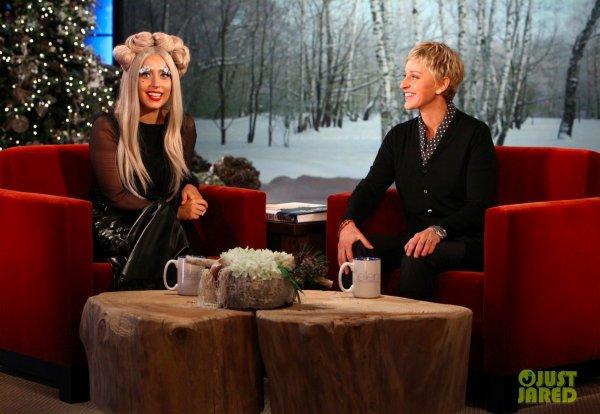 Lady Gaga sur le plateau d'Ellen Degeneres.