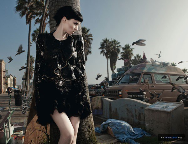 Rooney Mara pose pour Dazed&Confused.