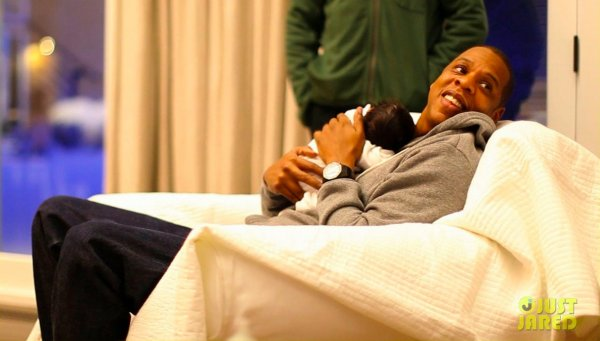 Blue Ivy Carter (l)
