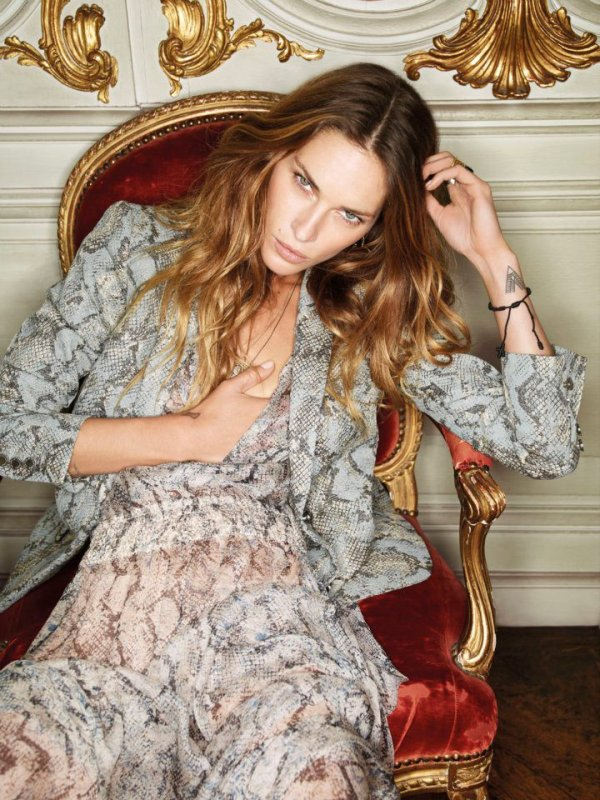 Erin Wasson pose pour Zadig & Voltaire.