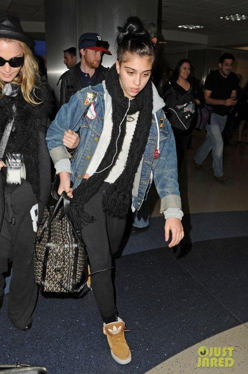 Madonna et sa fille Lourdes à l'aéroport.