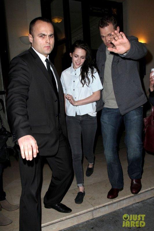 Kristen Stewart de sortie. Paris