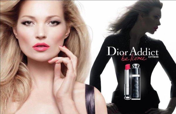 Kate Moss pose pour Dior.