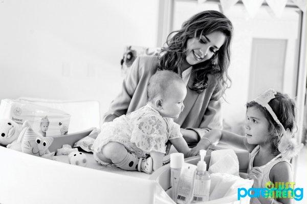 Jessica Alba pose pour Parenting.
