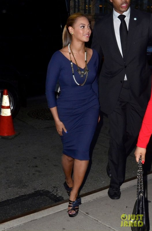 Beyonce sort de son hôtel. New York